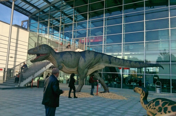 I loved these outside. There were raptors and other dinosaurs too.